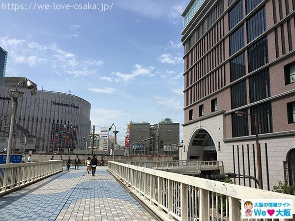 阪急うめだ本店歩道橋