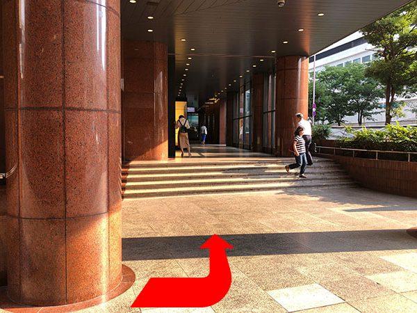 阪急メンズ大阪1階③