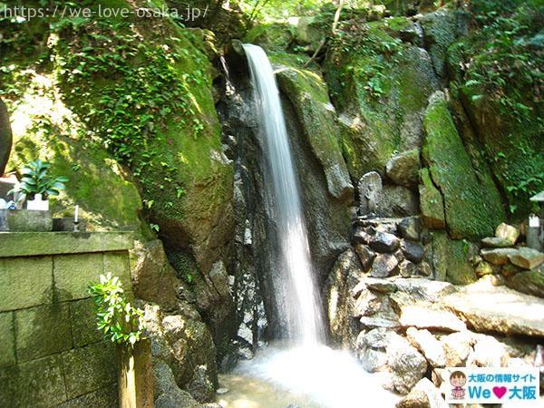 岩船神社 白龍の滝