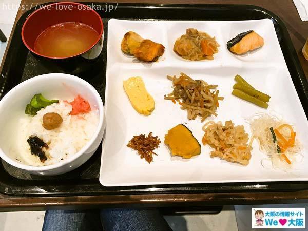 大阪はしご酒 裏天満 朝食
