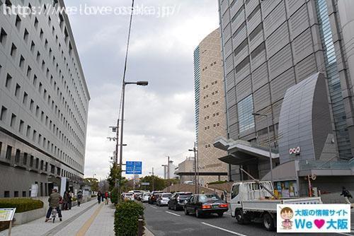 大阪城へ向かう道
